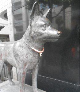犬の銅像 都内